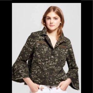 Target camo bell sleeve jacket large